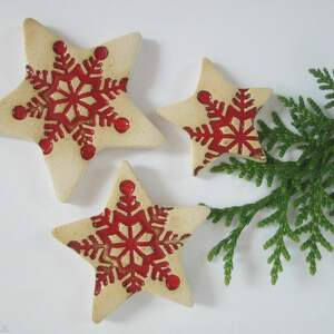 ceramika zestaw 3 gwiazdek czerwonych magnesów, śnieżynki, upominki świąteczne