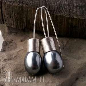 kolczyki graphite iii srebrne kolczyki z perłą majorka
