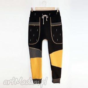 Prezent ONLY ONE No 005 - spodnie dziecięce 140 cm, spodnie, dres, eco, recykling