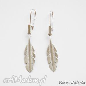 Kolczyki srebrne - Białe piórka małe, biżuteria, srebro, kolczyki