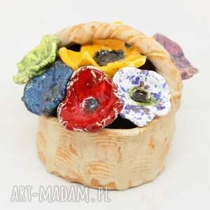 ceramika dzień mamy prezent wyjątkowy koszyk ceramiczny z kwiatami
