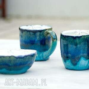 zestaw ceramiczny duży kubek oraz miseczka z płaskorzeźbą konia niebiesko