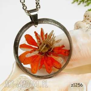 z1256 naszyjnik z suszonymi kwiatami herbarium - naszyjnik, biżuteriazżywicy