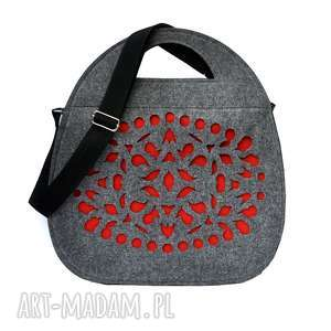 handmade torebki jojo - filcowy kufer szary z czerwonym