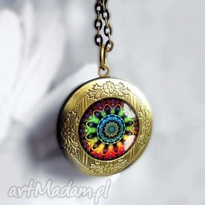 mandala medalion sekretnik otwierany na łańcuszku z zapięciem elegancki