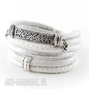 ręcznie wykonane szeroka biała bransoletka z ozdobnym łukiem