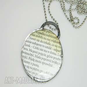 szklany wisior-gazeta, wisior, wisior-miedziany, unikalna-biżuteria, szkło