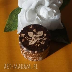 kwiat paproci - ręcznie wypalane drewniane puzderko, podróż