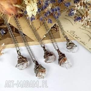 pchełka z kryształem górskim (kryształ górski, kamień naturalny)
