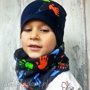 bukiet-pasji czapka i komin dla chłopca - kolorowe czapki, szalik