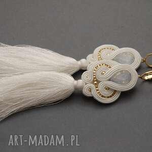 sisu białe kolczyki sutasz z chwostami, sznurek, ślub, eleganckie, ślubne