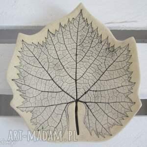 talerzyk z liściem winorośli, podstawka, na-przekąski, ceramiczna, miseczka, roślinna