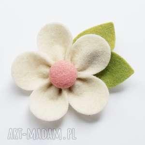 ozdoby do włosów spinka kwiatek ecru, filc, ozdoba, dziewczynki