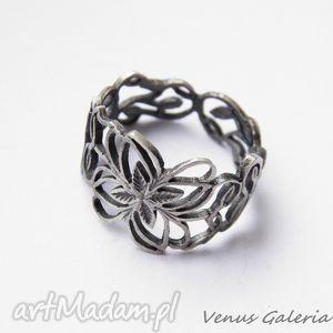 obrączka srebrna ażurowa oksydowana, bizuteria, srebro, pierścionki