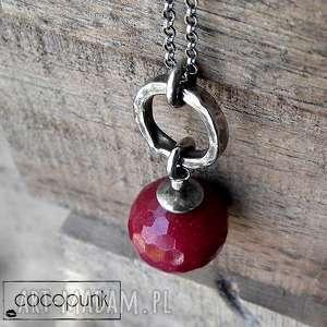 Długi naszyjnik z kulą rubinowego jadeitu- srebro., jadeit, rubinowy, srebrny, długi