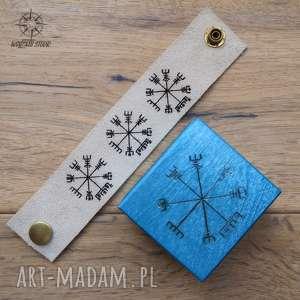 zestaw prezentowy wiking vegvisir i małe drewniane pudełko skórzana