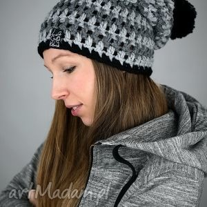 HelLove 76, czapka, czapa, pompon, kolorowa, zima, wesoła