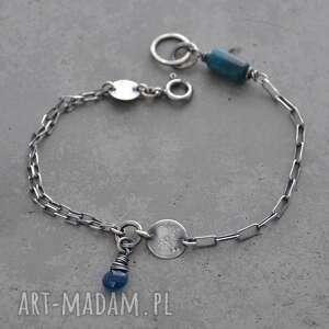 prosta srebrna bransoletka z niebieskim apatytem, apatyt, srebro, surowa