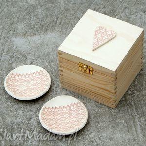 romantyczne miseczki, podstawki, romantyczne, prezent, obrączki, ślub, talerzyk