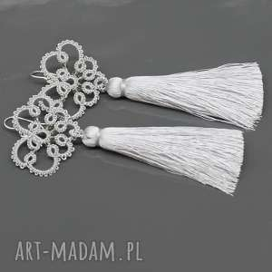 długie srebrne kolczyki z kryształkami i chwostami, kolczyki, długie, chwosty
