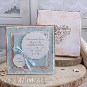 wyjątkowa pamiątka ślubna dla młodej pary kartka w ozdobnym pudełeczku zestaw
