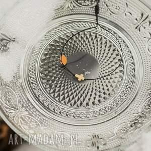 bransoletka sznurkowa ze złotym krzyżykiem, sznurkowa, sznureczkowa, delikatna