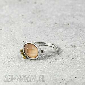 kwarc różowy, pierścionek srebrny, kwarc, z kamieniem, srebro 925