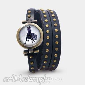 Prezent Bransoletka, zegarek - Czarny koń czarny, nity, skórzany, bransoletka
