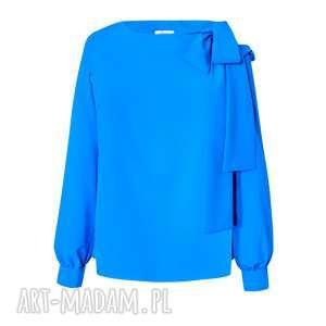 niebieska bluzka damska z odkrytym ramieniem, elegancka, wiązana