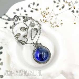 hand-made naszyjniki magiczna kula niebieska - naszyjnik w stylu boho ze szkłem