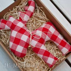 pomysł na świąteczny prezent RENIFER z materiału dzwoneczkiem w PUDEŁKU