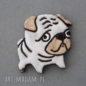 kopalnia ciepla mopsik-broszka ceramiczna, wielbieciel, prezent, pies, święta