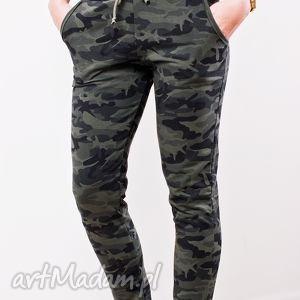 spodnie modne fajne dopasowane dresowe moro militarne