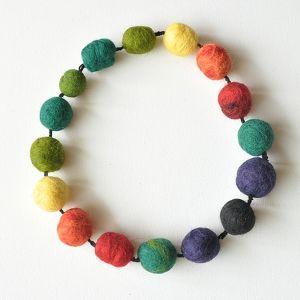 korale z filcu, korale, filc, handmade, biżuteria, rękodzielo
