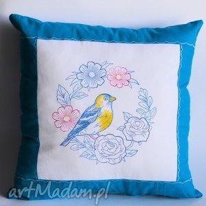 poduszka z haftowanym wiankiem, poduszka, haft, wianek, ptak, folk, urodziny dom