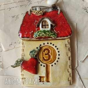ceramika kamienica z numerem domu na drzwi wejściowe, ceramika, domek, klucz