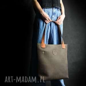 Brązowa skórzana torba z pomarańczowymi akcentami, duża damska