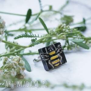 interesujący niepowtarzalny pierścionek regulowany - bee