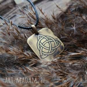 wisiorek z trawionego mosiądzu - celtycka triquetra, celtycki