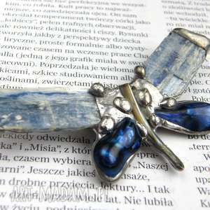 broszka granatowo-błękitny motyl - cyjanit, kamień, minerały, motyl