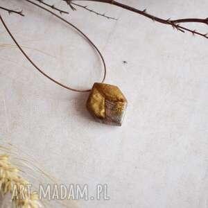 abeja - wisior inspirowany plastrem miodu, na prezent, dla niej