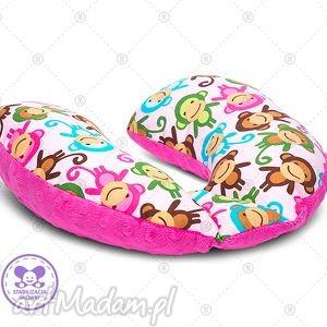 poduszka podróżna minky rogal zagłówek do fotelika rogalik - różowe małpki