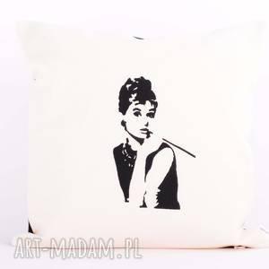 Poduszka z haftem 40x40cm - audrey hepburn poduszki majunto