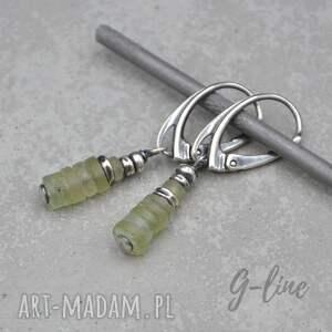 kolczyki wiszące z zielonym szkłem antycznym 092