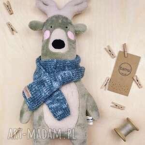 jeleń w niebieskim szaliku - leśna przytulanka z minky, pluszak, włóczka