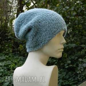 alpaca boucle efektowna zimowa czapka, dziergana, ciekawa, ciepła