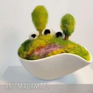 igielnik miniaturowy krajobraz wiosennej łąki kolekcja - wiosenna dekoracja