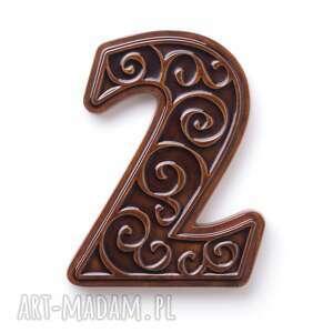 numer domu, cyfra 2 brązowa, cyfra, na drzwi, dekoracja, ornament