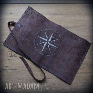 Skórzany piórnik na ołóki i kredki Kompas - ręcznie robiony malowany,