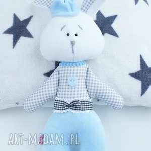 zajączek maskotka przytulanka w biało-szarą - boże narodzenie